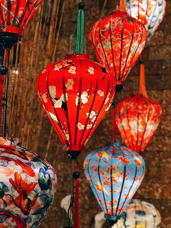 Lồng đèn trang trí phong cách Việt